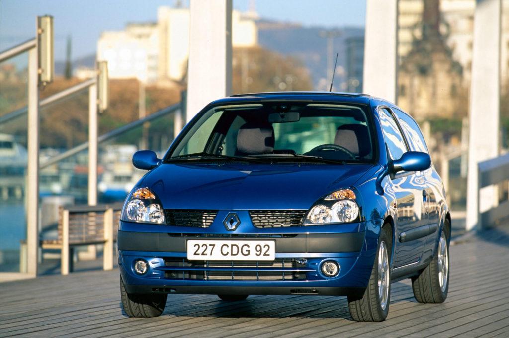 De Clio II Phase II uit 2001
